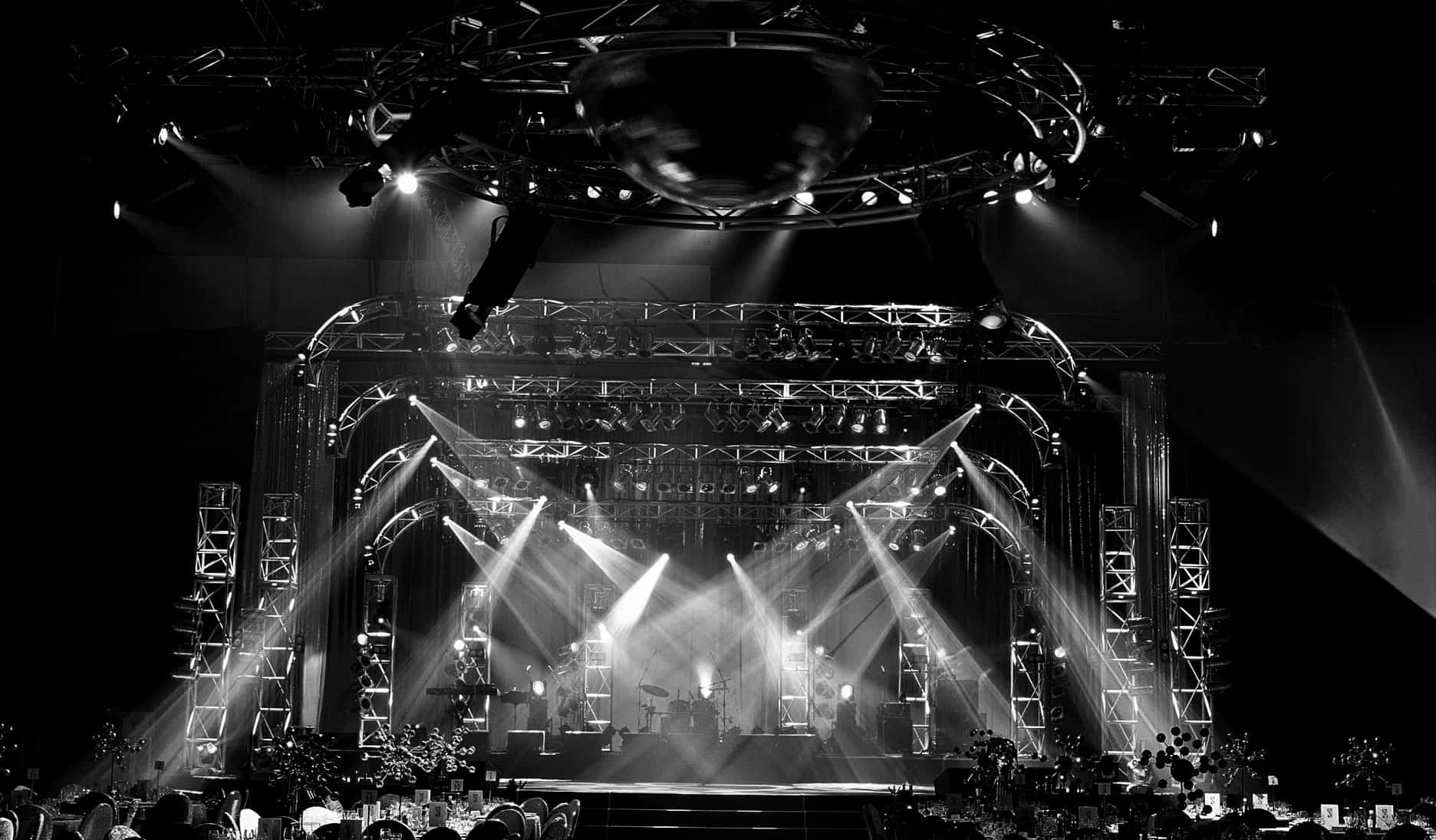 Concert, Mac Aura, Audio Visual Production, AV Production, Truss, Moving Heads, Martin MH3 Beam, LED Screen, Line Array