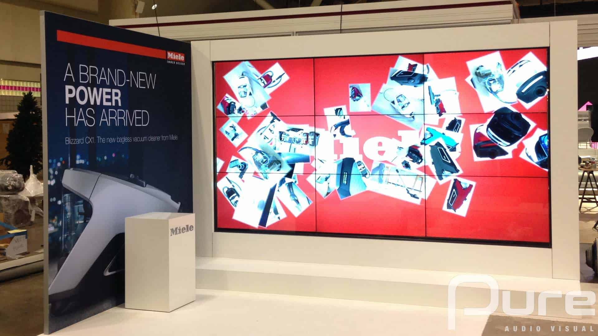 LCD Video Wall At Tradeshow