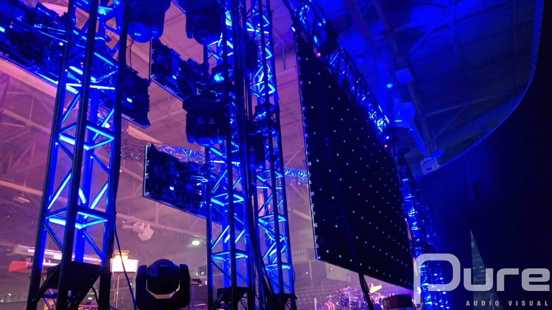 arena concert. led video wall. lighting. Truss